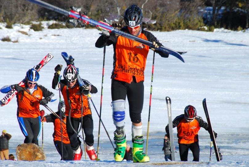 Competidor amputado pierna derecha en TETRATLON DE CHAPELCO 2012 (hoy) Pablo Robledo Instructor de Esqui adaptado de la Escuela de esqui de Chapelco