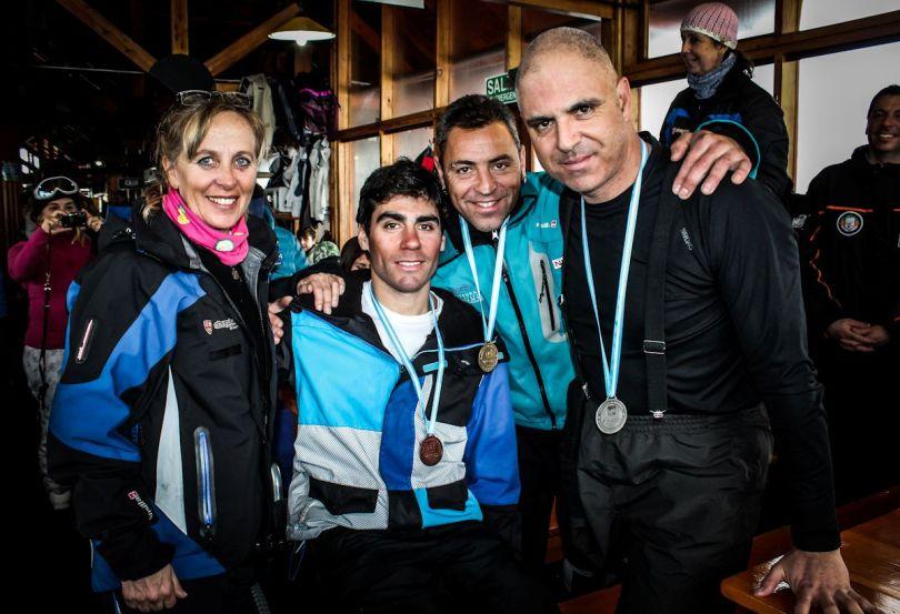 Chapelco Encuentro de Esqui Adaptado entrega de premios. Claudia vega Olmos, Enrique Plantey, Carles Codina y Pablo Travaersaro