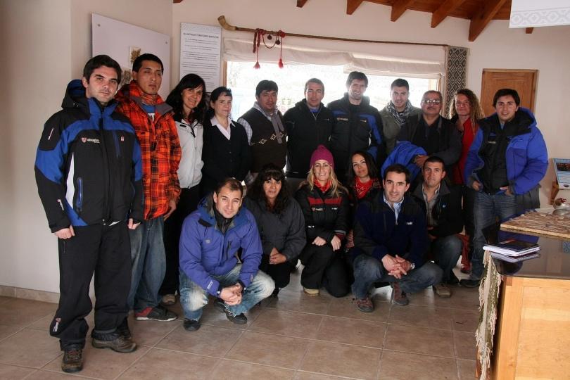 CHAPELCO - Almuerzo y encuentro con comunidad mapuche Vera, agentes de viajes de San Martin de los Andes en Restaurante Mankewe y Centro de Interpretacion Cultural