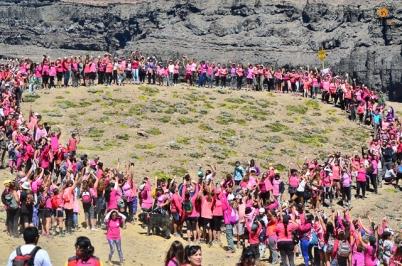 chapelco-formando-el-lazo-rosa-en-el-cerro-teta-dsc_4245